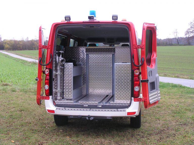 Feuerwehr Innenausbau mit Schienensystem zur Aufnahme von Geräten